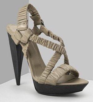 Burberry High Heels Leder Taupe Gr. 37,5 neu