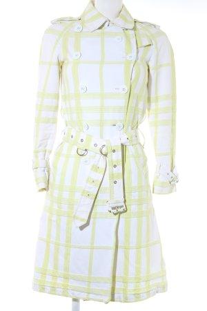Burberry London Trenchcoat weiß-limettengelb Karomuster extravaganter Stil