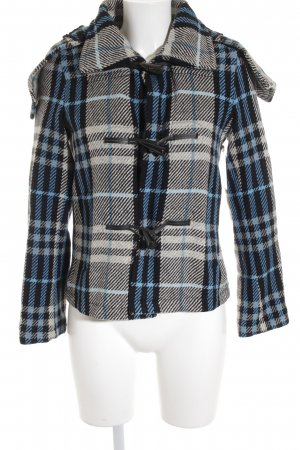 Burberry London Wolljacke Karomuster Street-Fashion-Look