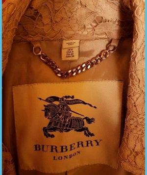 Burberry Mantel aus Makramee-Spitze
