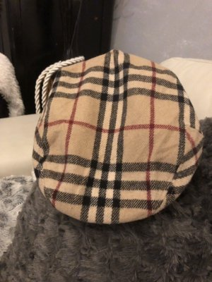 Burberry Pet met klep beige
