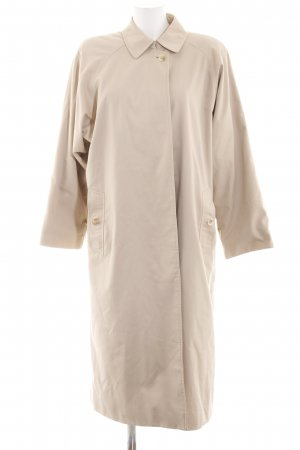 Burberry Oversized Coat cream casual look