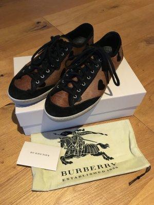Burberry Ponyfell Sneaker Größe 40 NEU