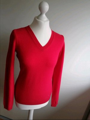 Burberry V-Neck Sweater red