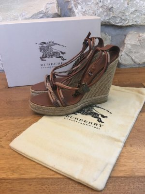 Burberry - Sandalen mit Keilabsatz / Wedges (NP 415 EUR)
