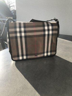 Burberry Schultertasche mit klassischem Vintage Check Muster - absolut neuwertig