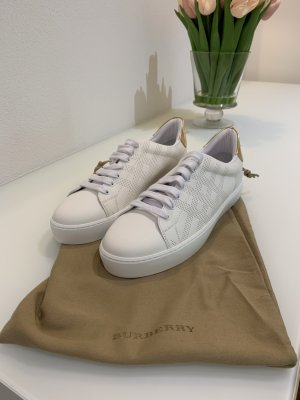 Burberry Lace-Up Sneaker white-gold-colored leather