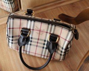 Burberry Tasche (inklusive original Staubbeutel) - letzter Preis!