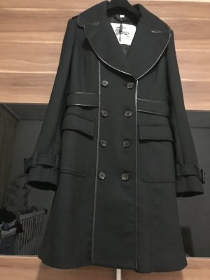 Burberry trenchcoat