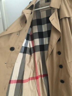 low priced a97dc 84c22 Burberry Trenchcoat