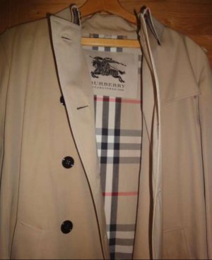 Burberry Trenchcoat neu mit Etikette