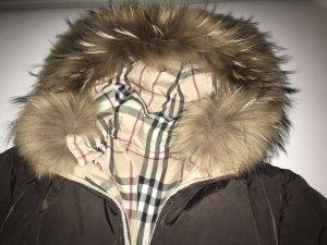 Burberry Winter- und Übergangsjacke mit Pelzkragen und auf beidseitig tragbar