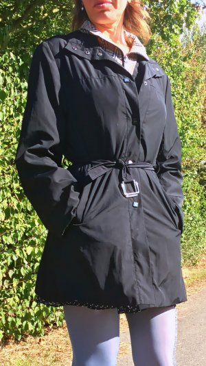 Burberrys Trenchcoat mit Gürtel