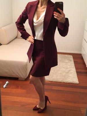 Business Suit dark red