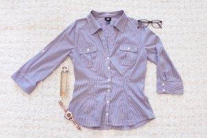 Business Babe | Blau-weiß gestreifte Business-Bluse