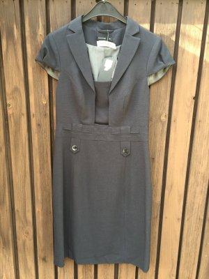 Business-Dress Comma