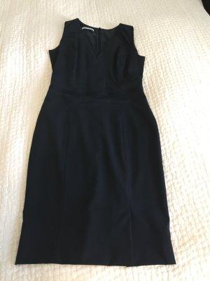 Business Kleid von René Lezar