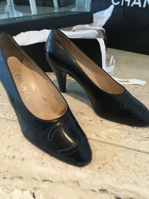Chanel Zapatos formales negro