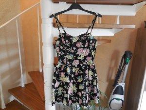 Bustierkleid mit Volants und Blumenmuster in schwarz von H&M