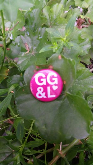 Button George Gina & Lucy