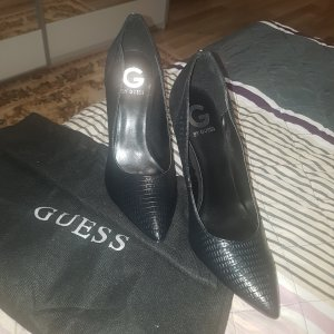 By Guess