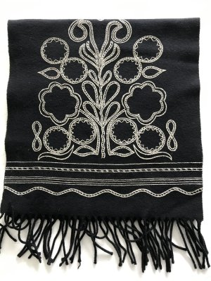 Byblos Fringed Scarf black-white wool