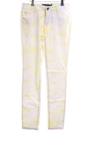 C&A Five-Pocket-Hose weiß-blassgelb abstraktes Muster Casual-Look