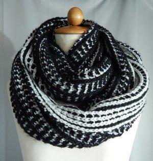 C&A,großer Strick, Schlauch-Loop Schal, schwarz-weiß gemustert