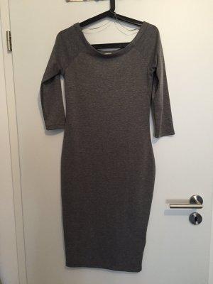 C&A Kleid knielang grau Streifen M