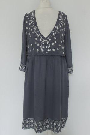 C'est Tout Kleid Midikleid Seidenkleid Gr. L blau grau weiß Stickerei NEU