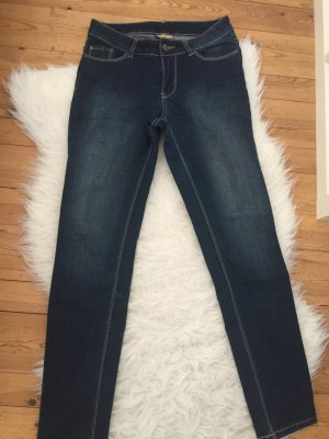 C.I.C Jeans in dunkler Waschung