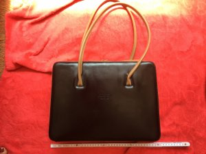 C. Valentino Borsa pc nero-color cammello