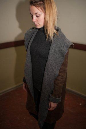 Cadigan aus Wolle mit Kapuze
