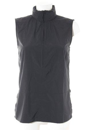 Calvin Klein ärmellose Bluse taupe Street-Fashion-Look