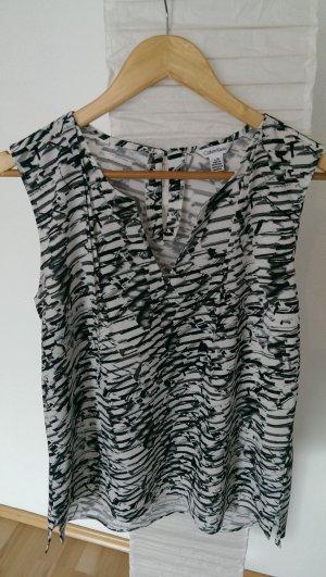 Calvin Klein Bluse mit schwarz-weißem Print.