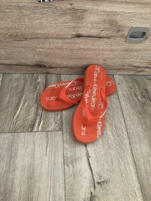 Calvin Klein Flip-Flop Sandals red-white
