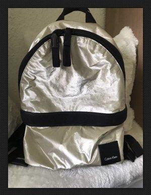 Calvin Klein Fluid Backpack Rucksack metallic nylon Gold Blogger Tasche CK