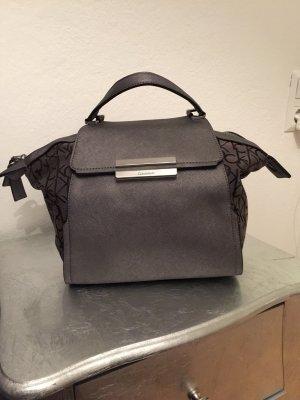 Calvin Klein Handtasche in Silber metallic