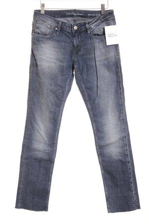 Calvin Klein Jeans Slim Jeans dunkelblau Street-Fashion-Look