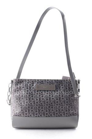 Calvin Klein Minitasche grau-taupe Monogram-Muster Street-Fashion-Look