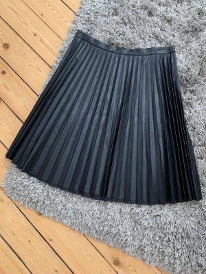 Calvin Klein Pleated Skirt black