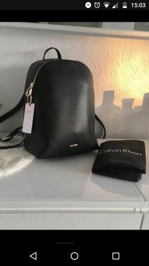 calvin klein rucksack nagelneu neupreis 249