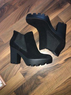 Calvin Klein Platform Booties black
