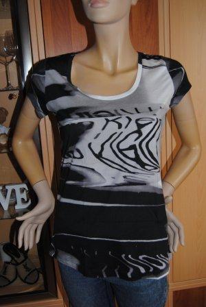 Calvin Klein T- Shirt
