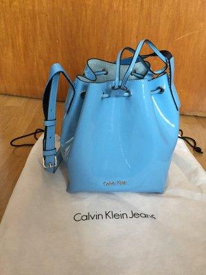 Calvin Klein Tasche Beuteltasche blau glänzend WIE NEU