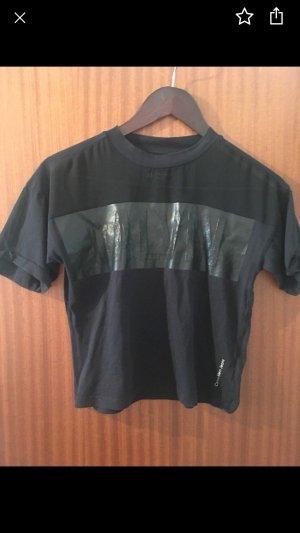 Calvin Klein Top recortado negro