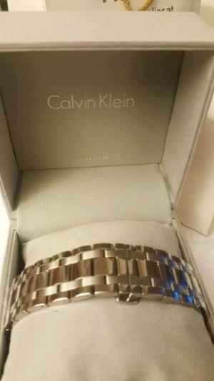 Calvin Klein Reloj con pulsera metálica color plata acero inoxidable