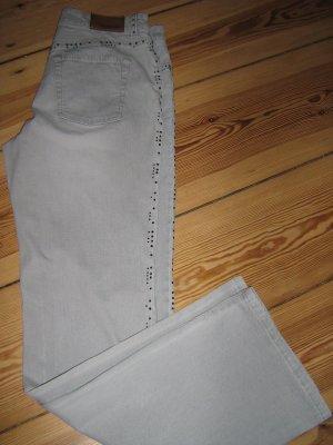 Cambio: hellgraue Jeans mit Swarowski-Steinen