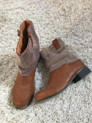 Camel Flache Stiefel