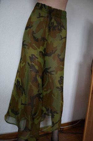 Camouflage Hose aus transparenten Stoff